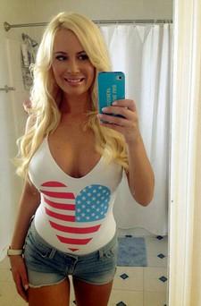 Sexy blonde selfshot her..