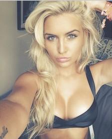 Bigtits blonde..