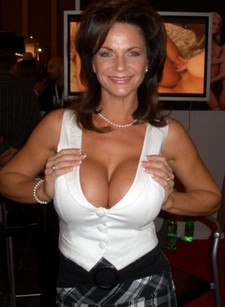 Sexy mature with great..