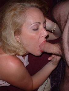 Hard sucking mature lady..