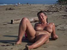 Sweaty wife posing nude..
