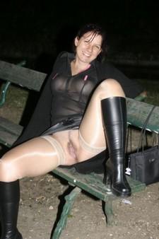 Spread legs brunette..