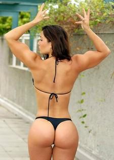 Horny brunette posing in..