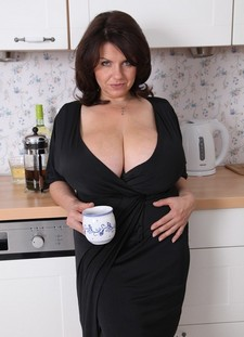 Superb housewife.